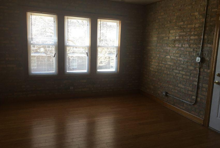 3515 Franklin living room