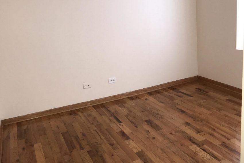 7752 Racine livingroom